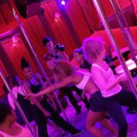 Cours d'Effeuillage Burlesque à Paris