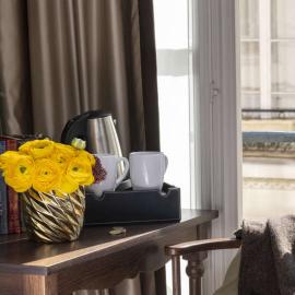Trinquez avec un verre de Prosecco en chambre supérieure au centre de Paris, et spa privé inclus !