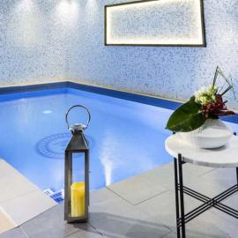 Evasion complice à Paris avec bouteille de Prosecco et accès au Spa privatif